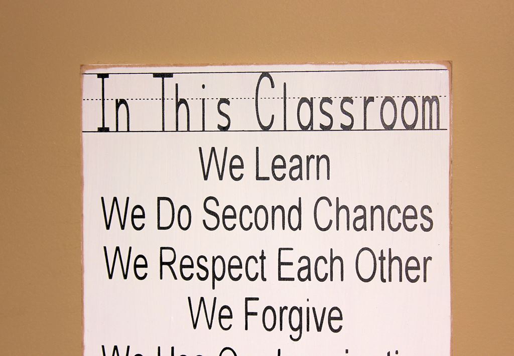 Teacher Classroom Wall Decor ~ In this classroom signteacher decor